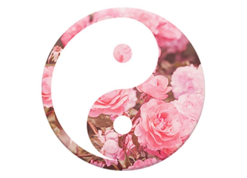 yin yang rosa con fondo blanco